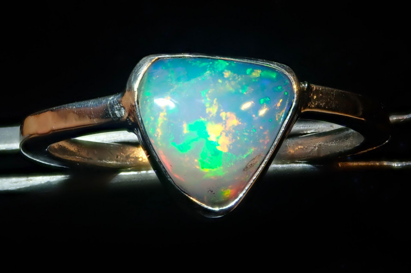 8.5sz SOLID CRYSTAL OPAL HIGH QUALITY .925 STERLING FABULOUS RING