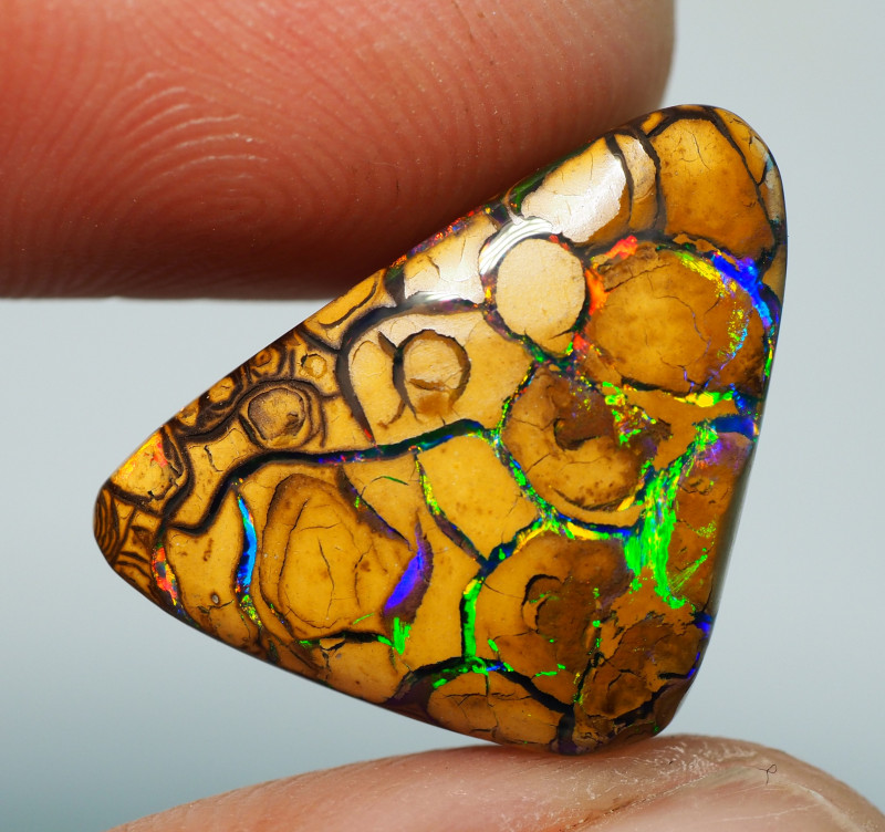 16.65CTS  YOWAH OPAL WITH AMAZING PATTERN  ST796