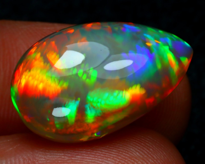14.93Ct MicroCell Full Contract Rainbow Color Dark Welo Opal RT12