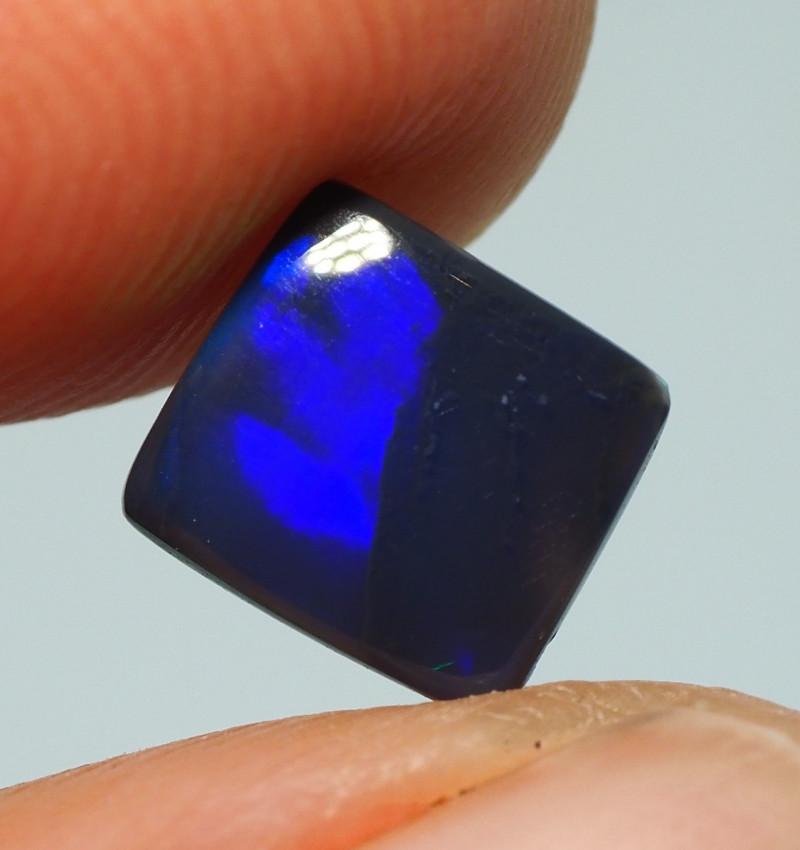 0.85CT BLACK OPAL  LIGHTNING RIDGE AA417