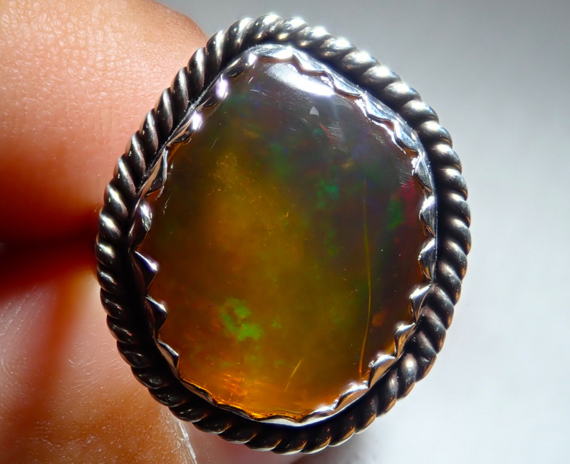 7sz Ethiopian Welo Opal .925 Sterling Silver Ring