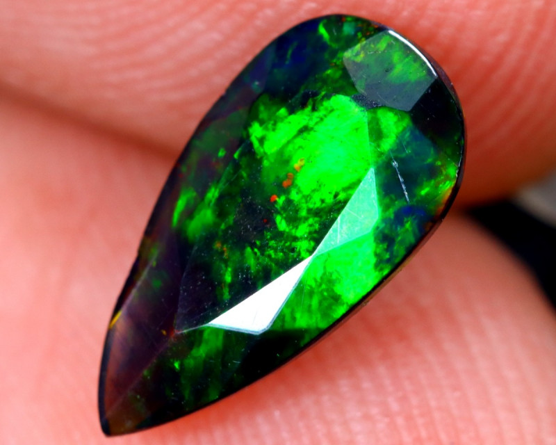 0.91cts Natural Ethiopian Welo Faceted Smoked Opal / HM2075