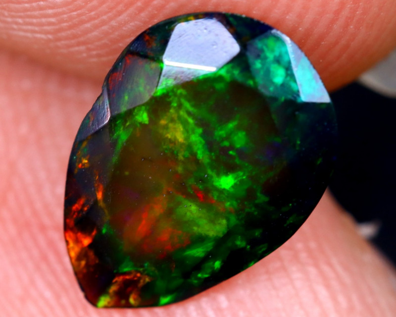 1.09cts Natural Ethiopian Welo Faceted Smoked Opal / HM2078