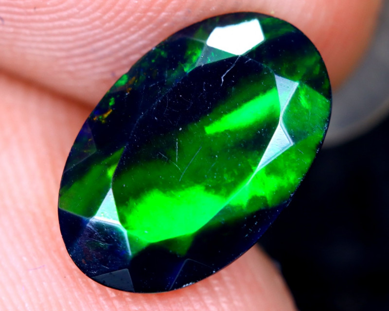1.62cts Natural Ethiopian Welo Faceted Smoked Opal / HM2136